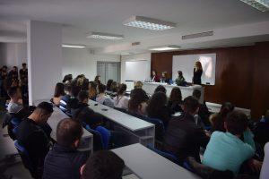 UNT organizoi panel diskutimi për