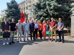 Një delegacion i Universitetit 'Nënë Tereza' në Shkup, sot morri pjesë në ceremoninë e shënimit të 109 vjetorit të lindjes së nobelistes shqiptare Gonxhe Bojaxhiu- Shënjtores Nëna Terezë