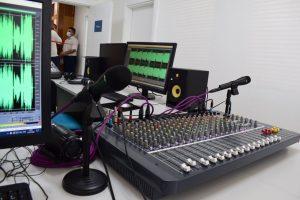 UNT PËRUROI 'RADIO-STUDENTIN' DHE REVISTËN STUDENTORE 'UNT STUDENTI'